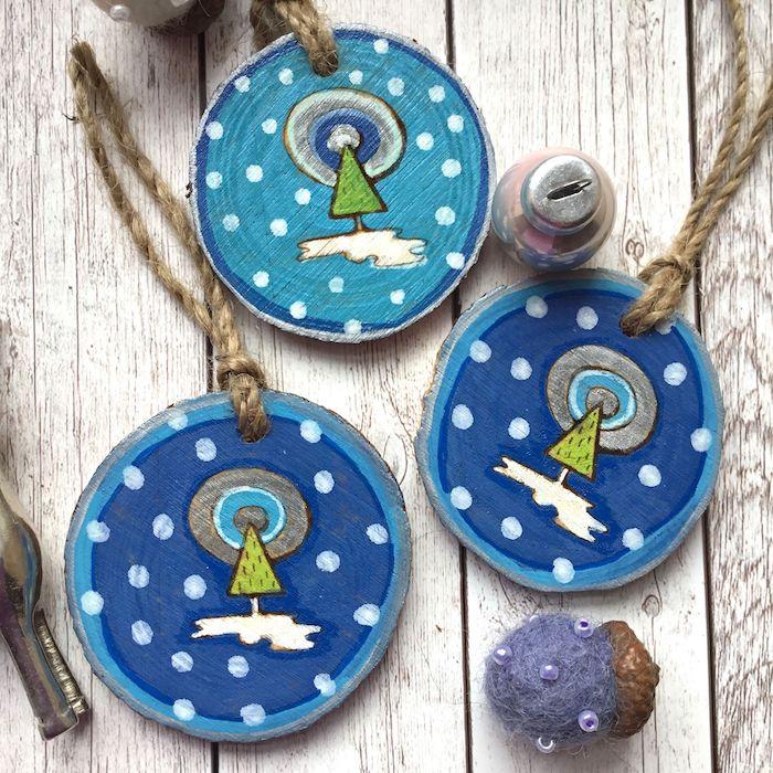baumscheiben bemalen deko mit holzscheiben klein blaum bäume