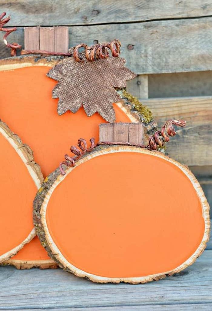 baumscheiben dekorieren garten herbst kürbis selbst malen