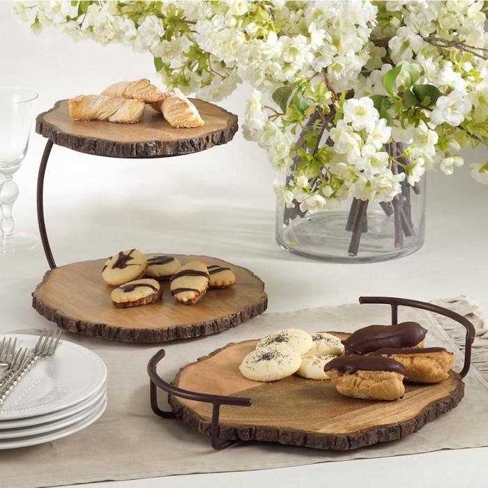 baumscheiben dekorieren runde holzscheiben küchenbrett kuchen