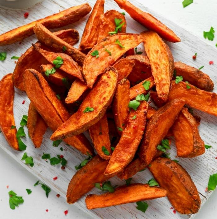 chips selbst machen partyessen ideen party essen einfache rezepte kartoffelchips imofen mit kräutern