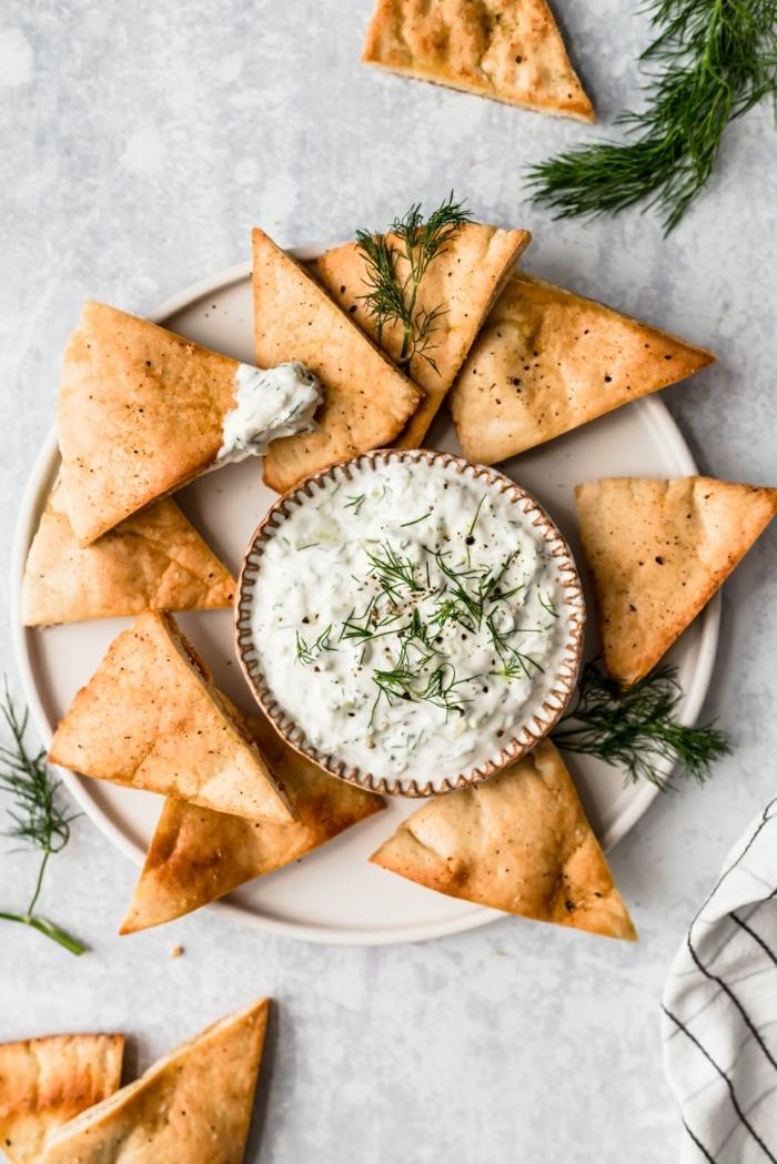 chips selbst machen tacochips mit leckere tzatziki soße partyfood partyessen fingerfood ideen
