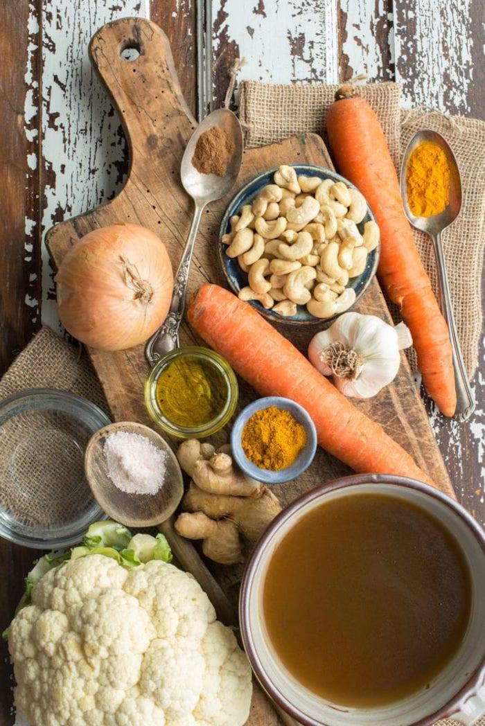detox leber entgiften in 3 tagen suppe mit gemüse blumenkohl möhren ingwer cashewnuss