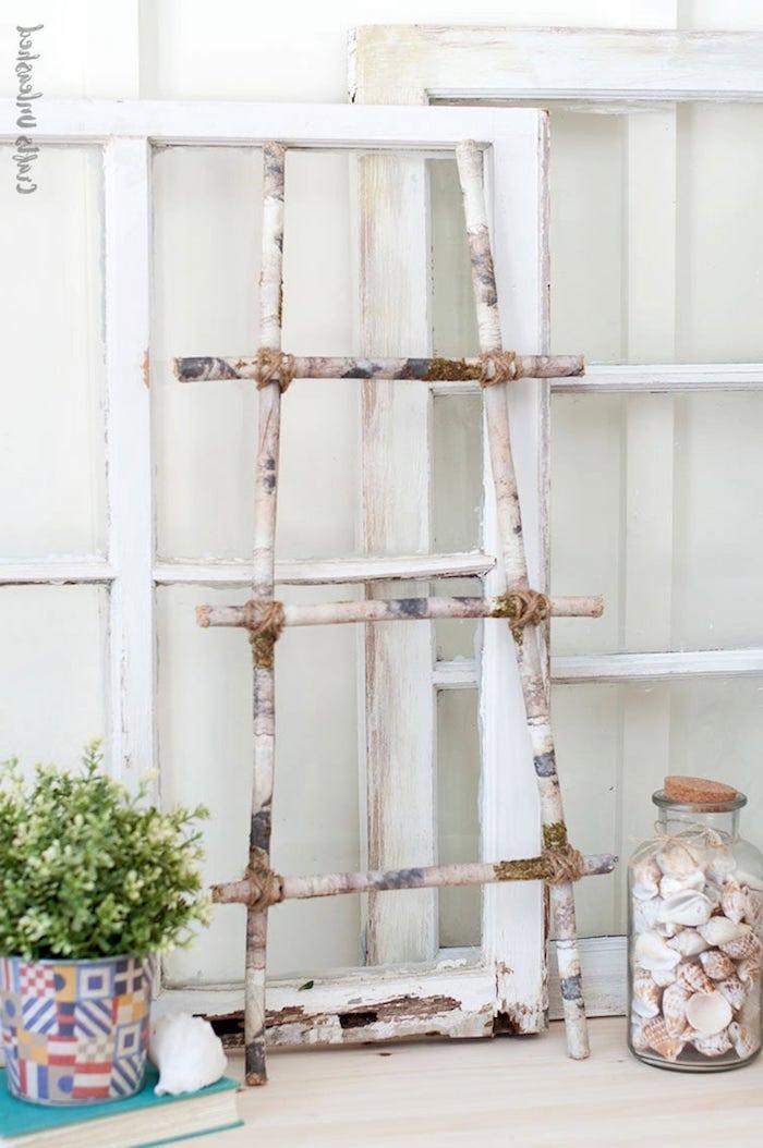 diy birkenleiter schritt für schritt anleitung glasdose mit muscheln bunter topf mit grüner pflanze originelle upcycling ideen