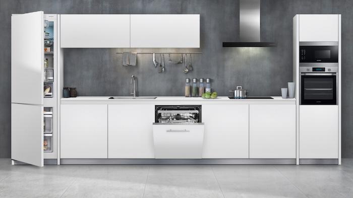 einbauküche küchenblock ikea weiß holz und stein anthrazit inspiration 2021