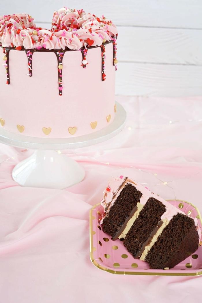 geburtstagskuchen für mädchen 3 jahre torte mit schokoboden schokotorte drip cake mit erdbeeren und schokolade
