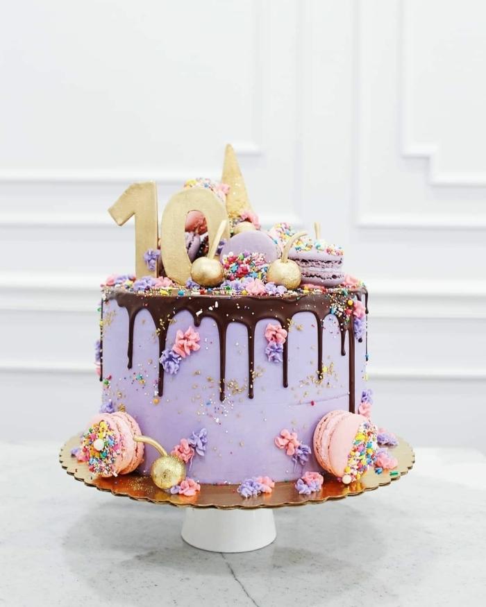 geburtstagstorte selber machen für mädchen 10 jahre tortendeko mit schokoalde und lila creme drip cake selber machen macarons