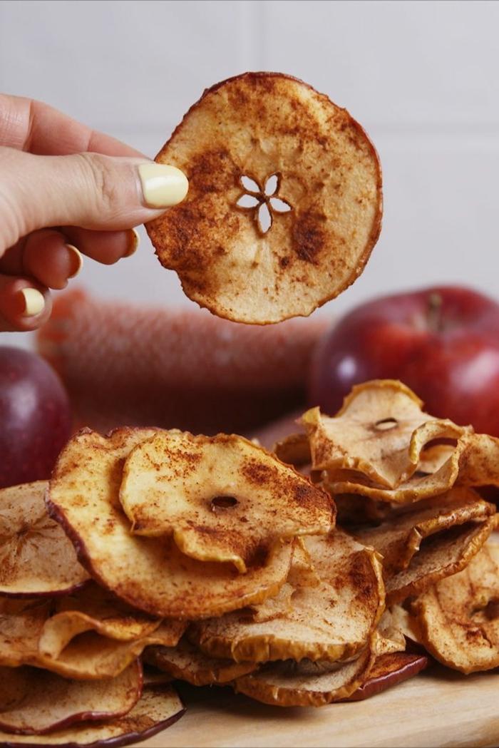 gesunde chips selber machen apfelchips mit zucker und zimt picknick essen einfache rezepte