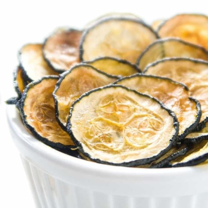 gesunde chips selber machen aus zucchni zucchinichips zubereiten schritt für schritt anleitung
