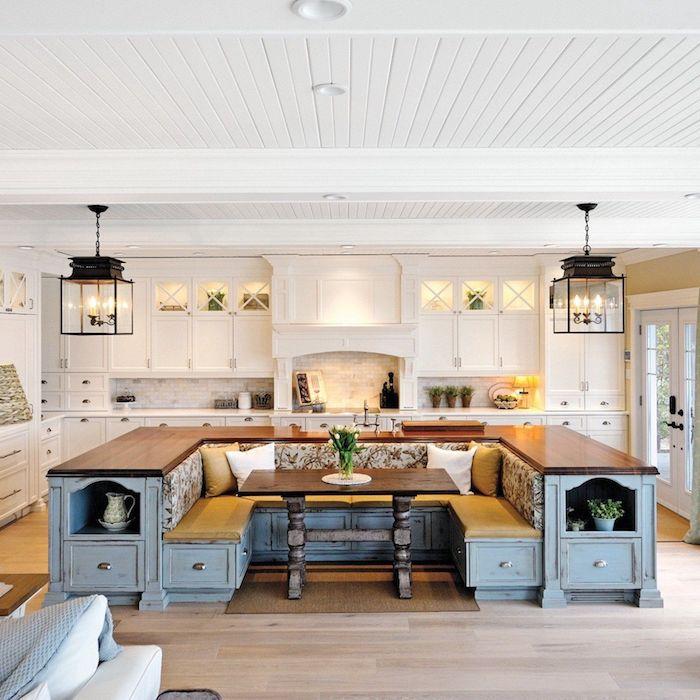 große küche retro style u form in hellblau holz und weiß esstisch und kochinsel