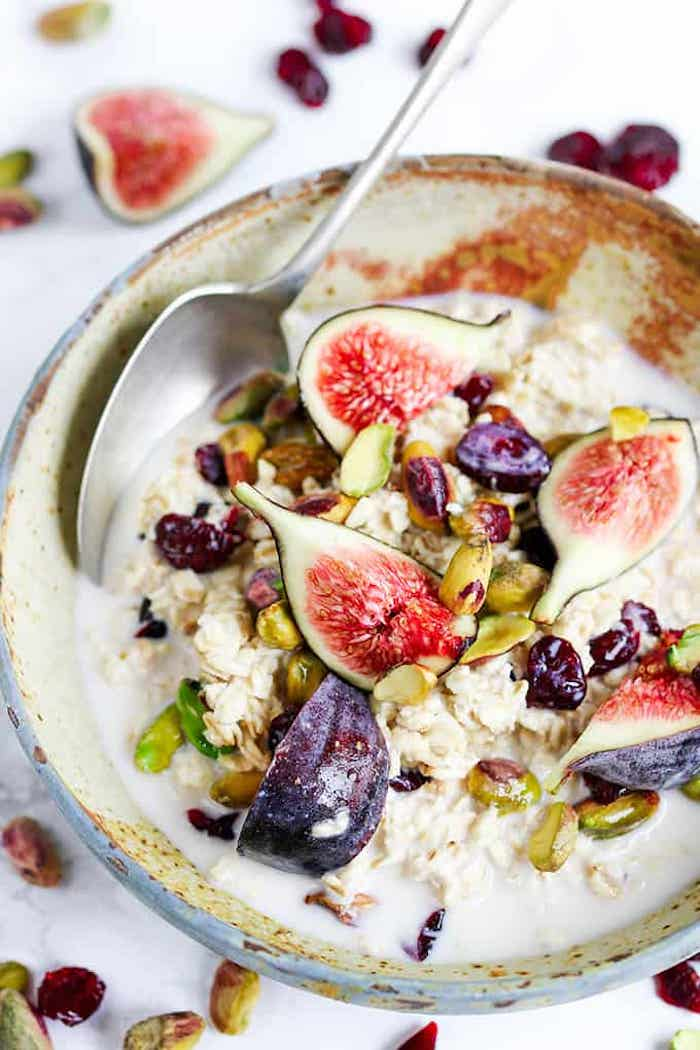 haferflocken übernacht mit feigen milch pistazien leckers frühstück rezepte mit wenig kalorien die satt machen gesund abnehmen gerichte