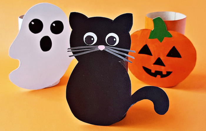 halloween deko selber machen klopapierrolle katze kürbis gespinster machen