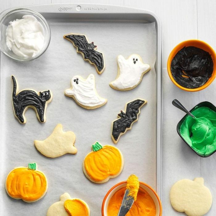 halloween essen party kekse geiste schwarze karzen kürbisse einfache zubereitung schnelle rezpte