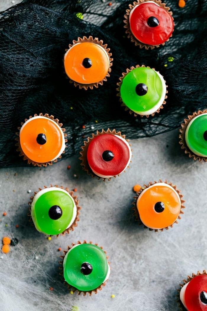 halloween essen party partyessen für kinder mini cupcakes augen tolle ideen für halloweenparty