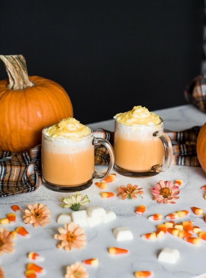 halloween party essen heiße getränke mit kürbis kürbismilch mit sahne partygetränke hebrst rezepte