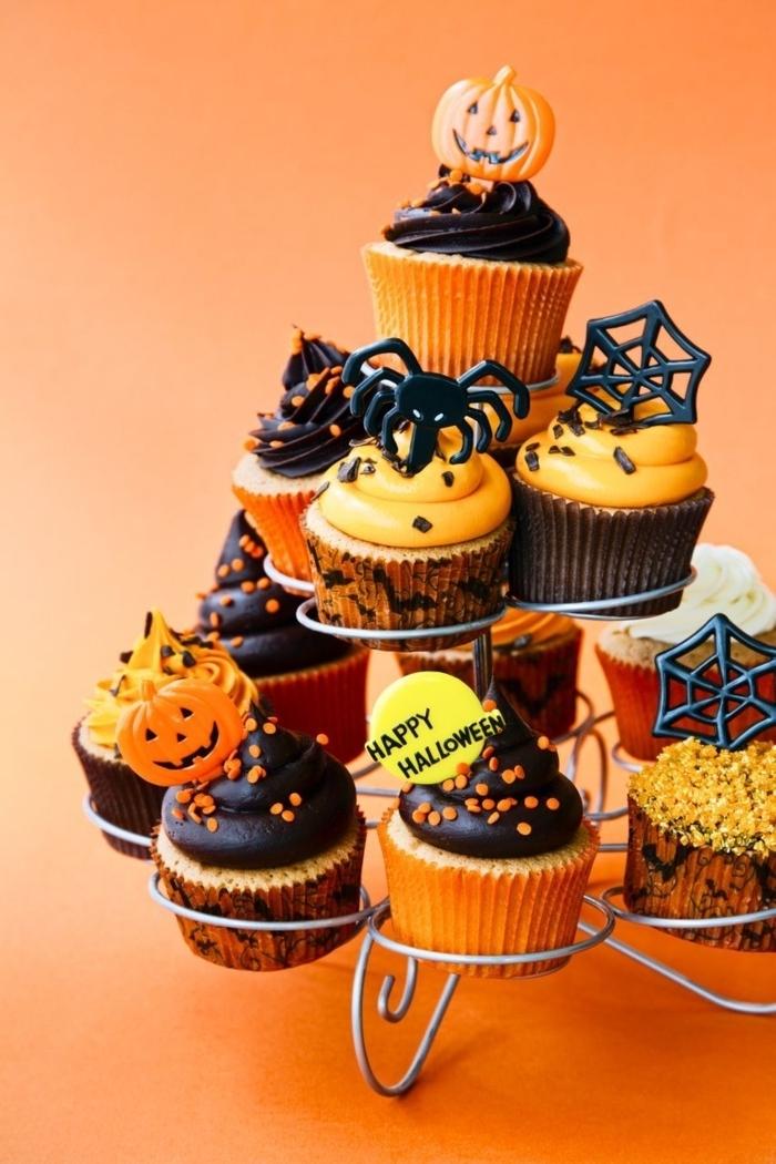 halloween rezepte fingerfood muffins mit kürbis und schwarzer schokolade kürbismuffind cupcakes deko ideen