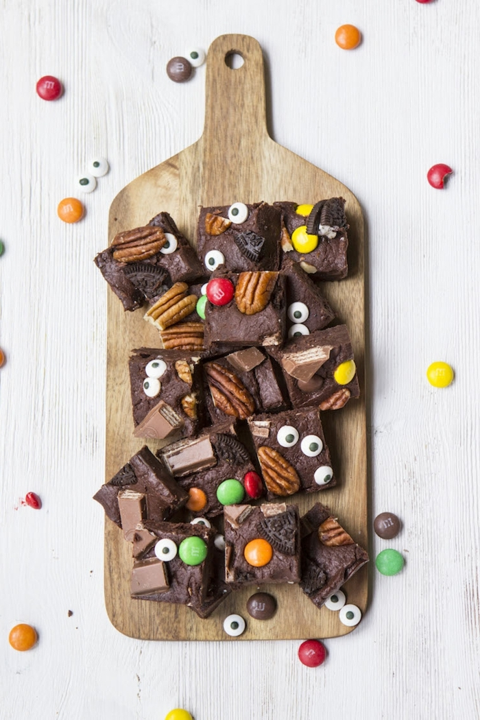 halloween snacks finderfood fudge mit schokolade und nüssen schokoladenfudge kinderparty kinderesssen