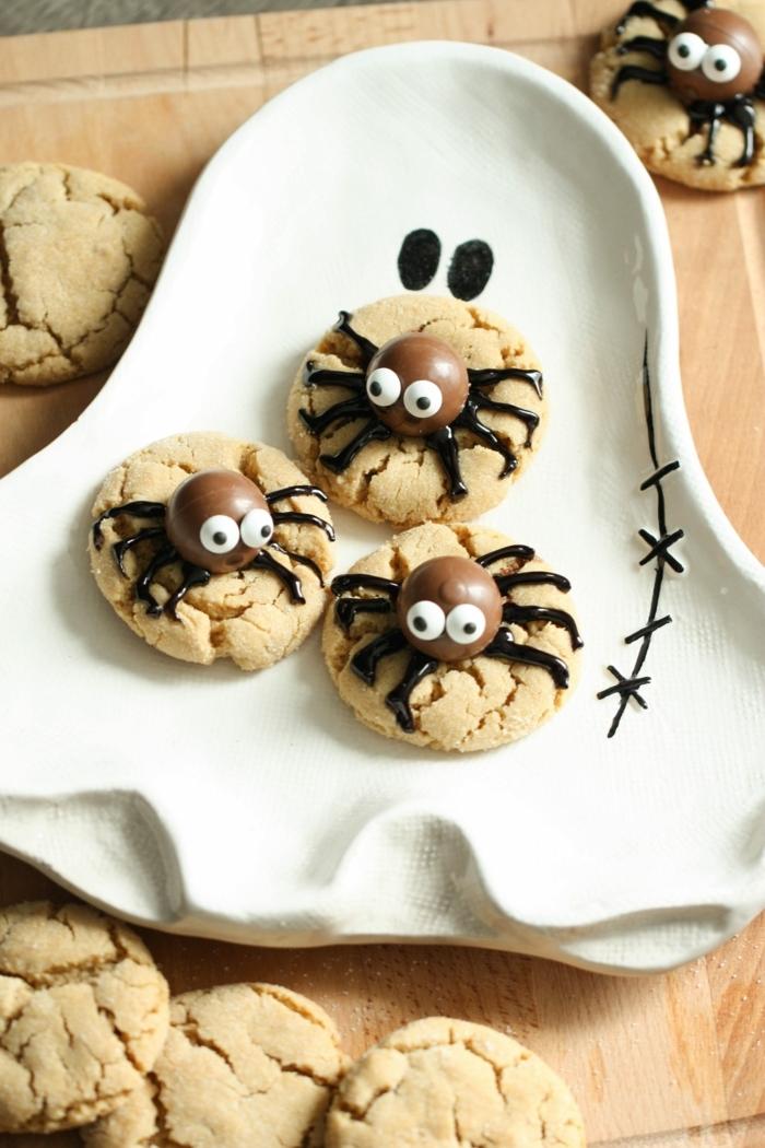 halloween snacks fingerfood spinnen kekse mit schokolade und erdnussbutter kinderkekse rezept