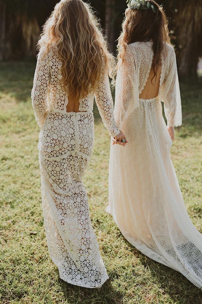 ideen brautkleid boho vintage spitze lange rückenfreie kleider mit ärmeln hippie style frisuren lange haare hochzeit