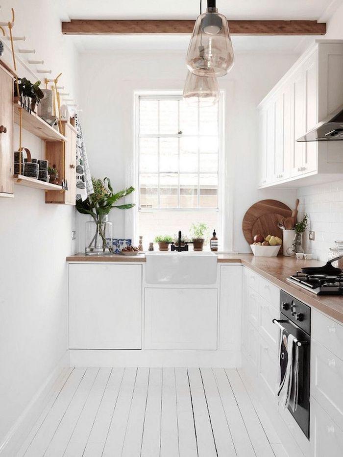 ikea küche inspiration kleine küche modern weiß und holz fenster lampen