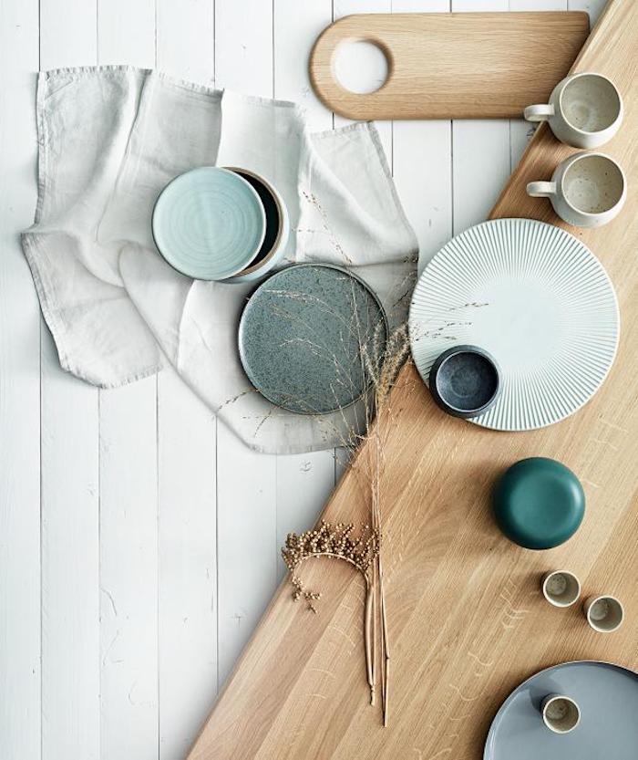 inspiration küche im scandi stil einrichten geschirr set skandinavisches design blau grüne farben