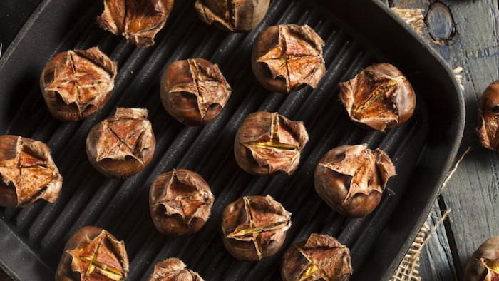 kastanien rösten maronen in backofen zubereiten esskastanien kaufen geröstete kastanien