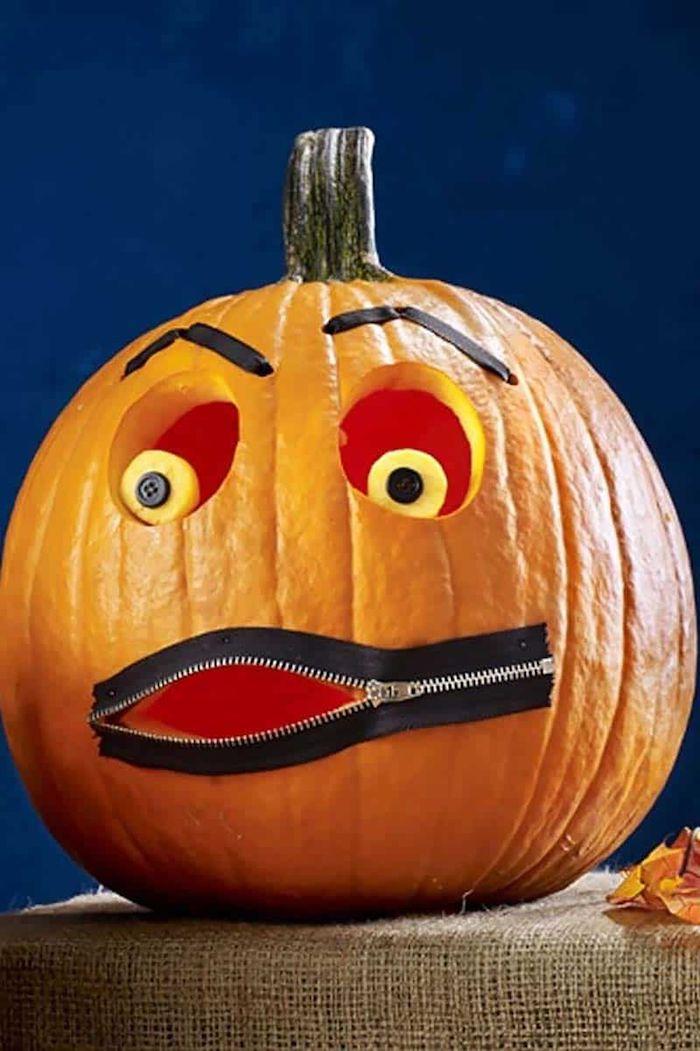 kürbis halloween deko für draußen mit knindern gruselig reißverschluss