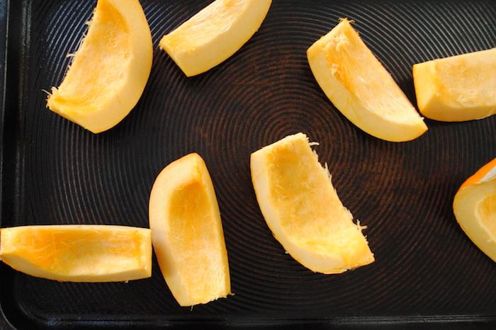 kürbissuppe hokkaido rezepte schritt für schritt anleitung kürbissuppe mit kartoffeln kprbis schneiden