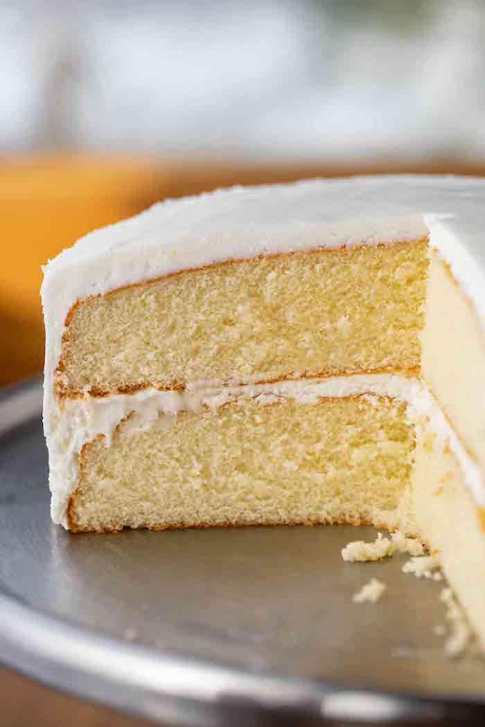 kuchen rezepte einfach und schnell mit wenig zutaten ein stück kuchen mit qiark und sahne rezept