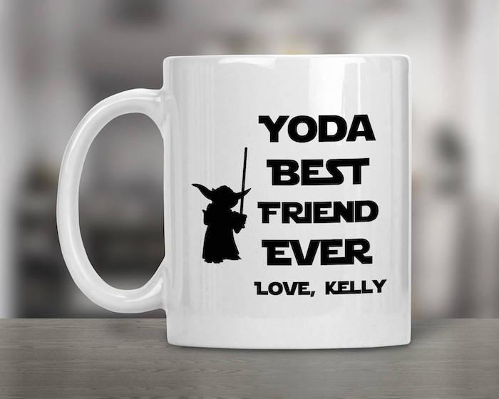 lustige geschenke für die beste freundin eine weiße tasse mit lustigem spruch und yoda