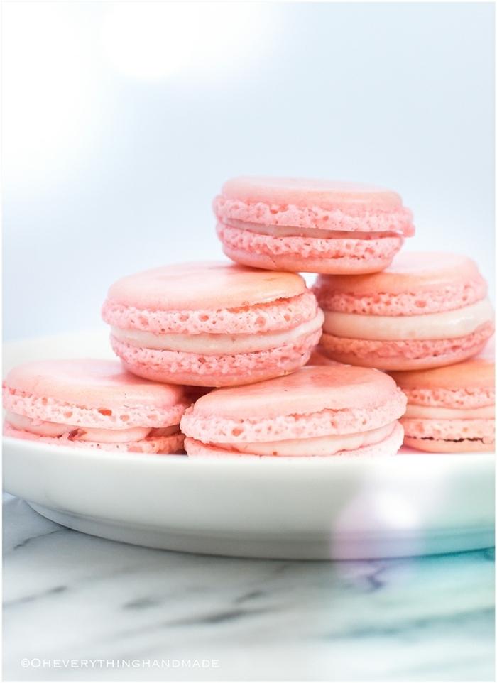 macarons ohne mandeln vegane makaronen mit erdbeeren und creme mit vanille französische gebäcke