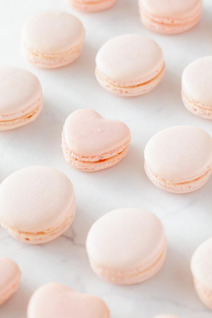macarons rezept füllung makaronen mit creme mit vanille und rose gescheke aus der küche backrezepte