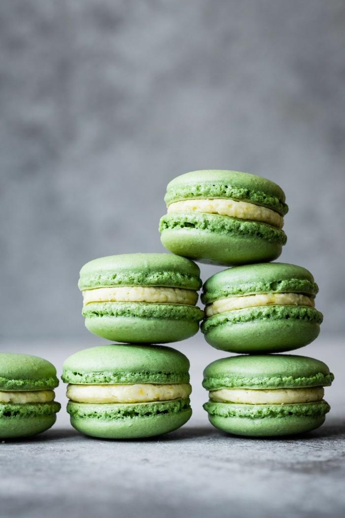 macarons rezept füllung makaronen mit matcha leckere backrezepte kleine grüne gebäcke essen für gäste