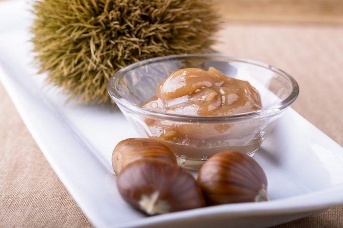 maronen kaufen marmelade aus kastanien machen pürree aus maronen glasschüssel mit maronencreme