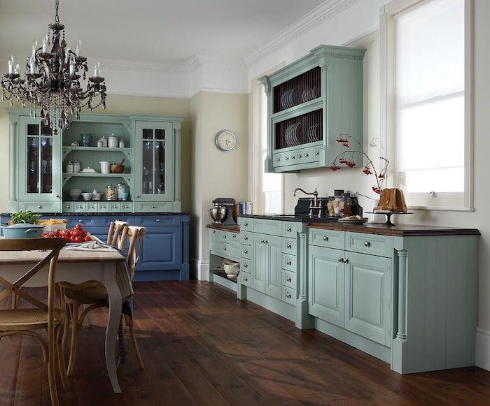 moderne küchen bilder ideen landhausküche minzgrün cremig naturholz 2021