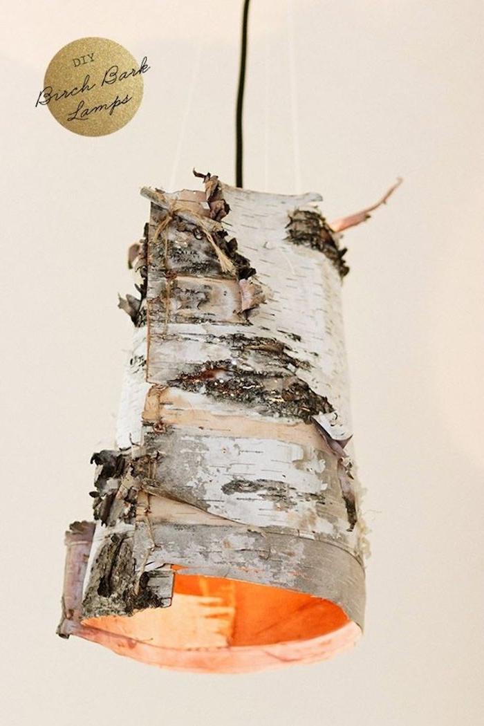 originelle bastelideen birken deko lampe aus birkenstamm kreative sachen aus holzstamm basteln upcycling ideen wohnung inneneinrichtung dekoration