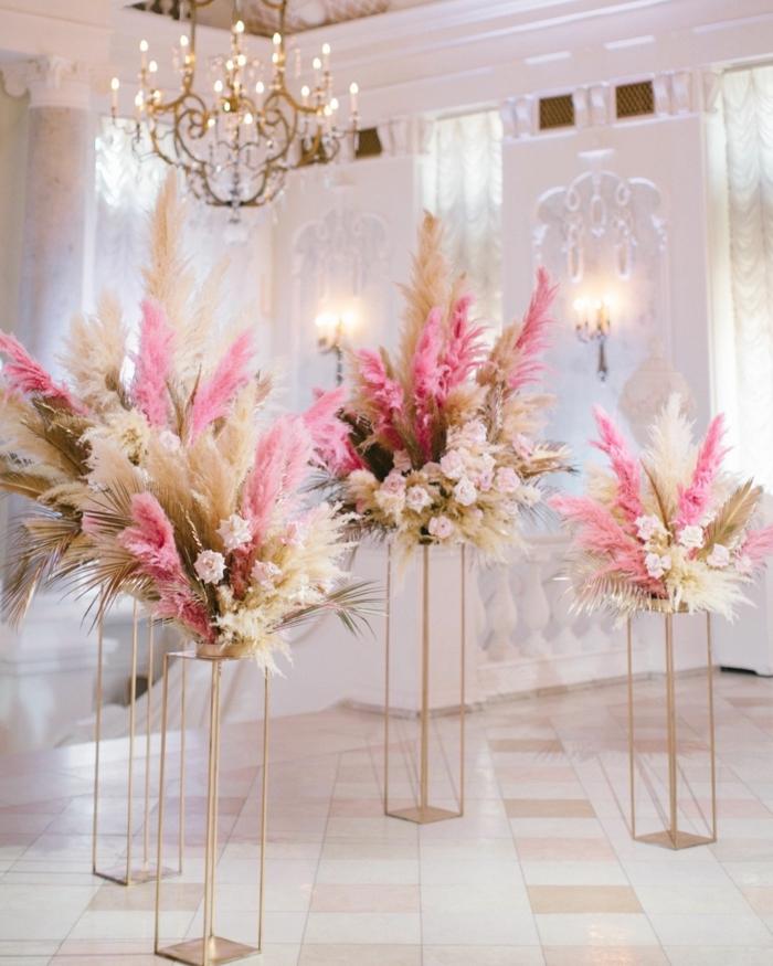 pampasgras rosa deko zur hochzeit hochzeitsdeko ideen blumengestecke hebrtshochzeit frühlingshochzeit pastellfarben farbschema