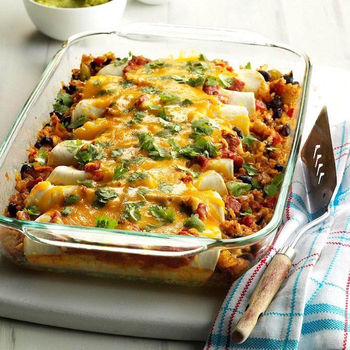 schwarze bohnen und reis enchiladas mit braunem reis cheddar käse leichte rezepte zum abnehmen leckeres abendessen zubereiten
