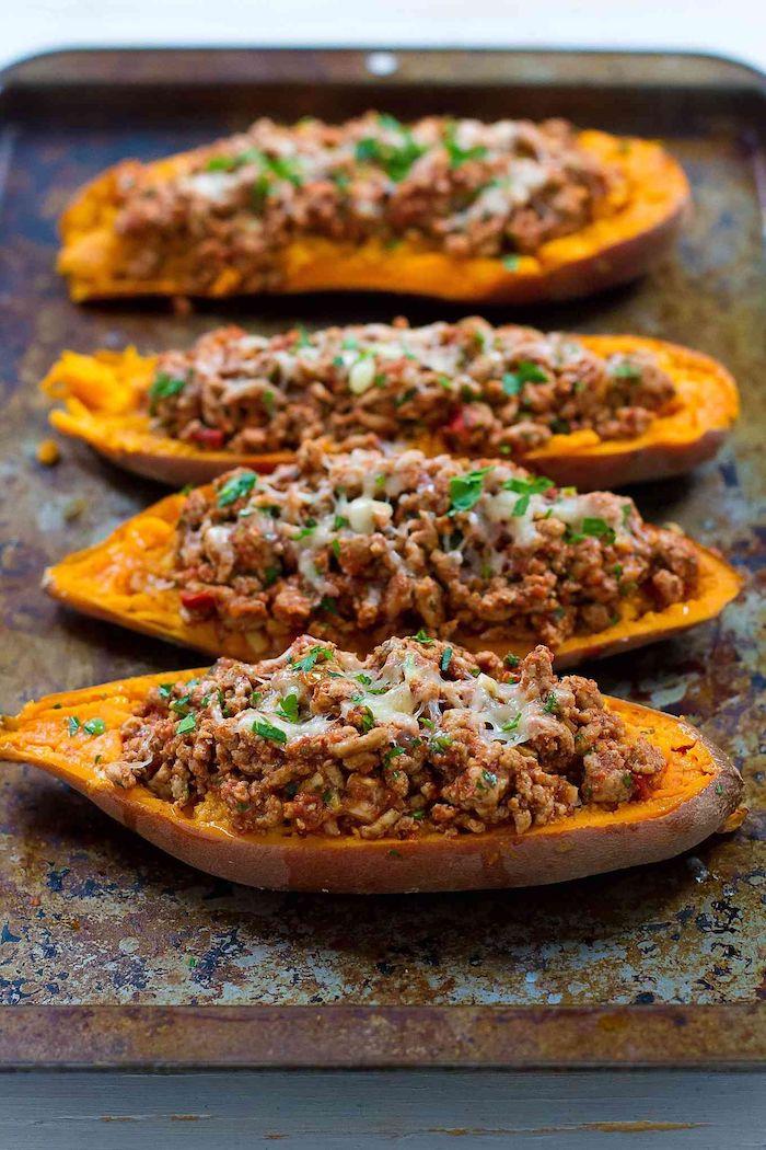 süßkartoffeln gefüllt mit puten paprika tomaten gesundes abendessen zum abnehmen köstliche gerichte zubereiten