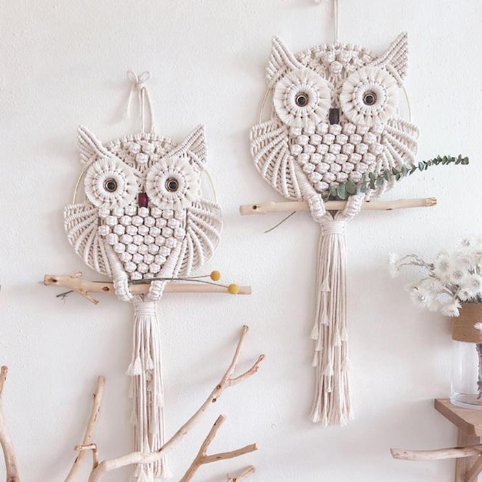 traumfänger boho eulen form vase mit weißen blumen holzerne zweige originelle dekoration wohnzimmer wohnung originell einrichten