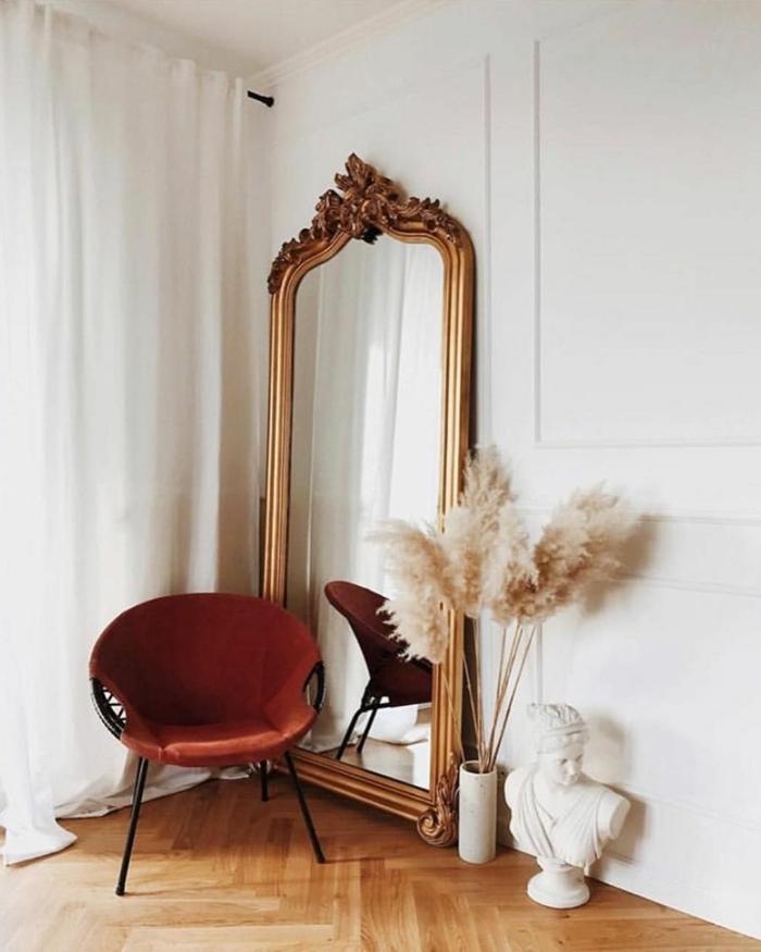 trockenblumen deko ideen designer möbel großer spiegel weiße vasen trockgras