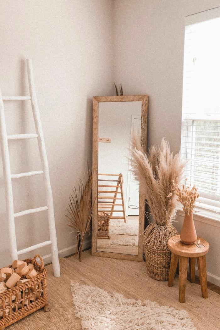 trockenblumen deko zimmerdeko mit pampasgras helle farben spiegel wohnung dekoideen tipps