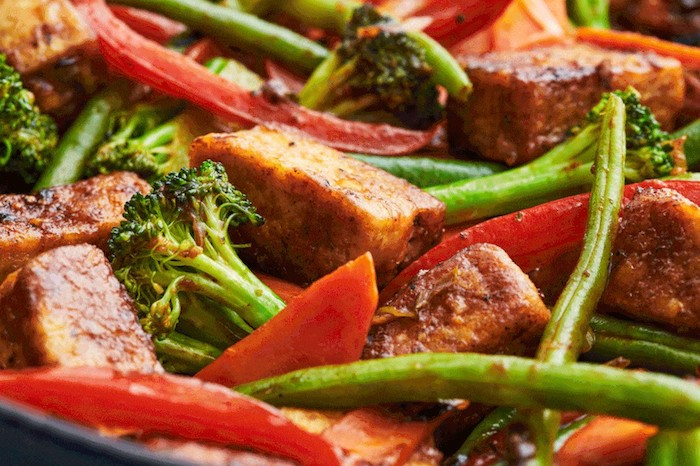 vegetarische gerichte chefkoch tofu broccoliflorets rote paprika beutel