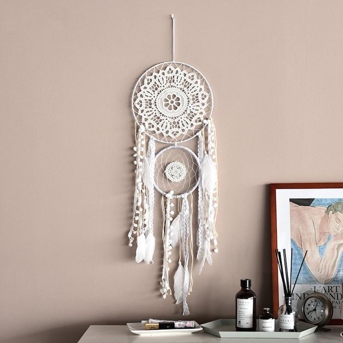 wandfarbe altrosa inspo wandhänger ideen makramee traumfänger diy klein und groß runde uhr modernes bild gemälde dekoration