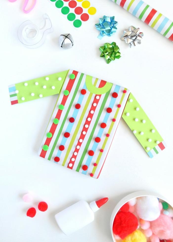 5 weihnachtsliches basteln mit kindern bluse aus papier dekoriert mit washi tapes und mini pompons