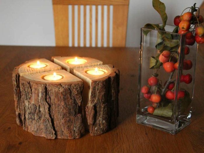 adventskranz baumscheibe diy schlicht mit teekerzen einbauen glas beere rot tisch stuhl