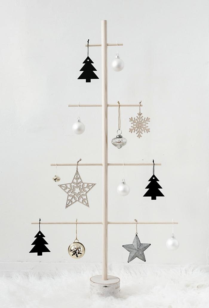 außgefallene weihnachtsdeko selber machen alternativer tannenbaum weihanchtsbaum aus holzstäben weihnachtsschmuck