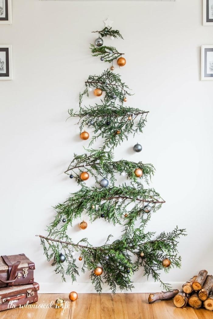 bastelideen weihnachten einfach alternativer tannenbaum weihnachtsbaum selber machen aus zweigen und weihanhtskugeln
