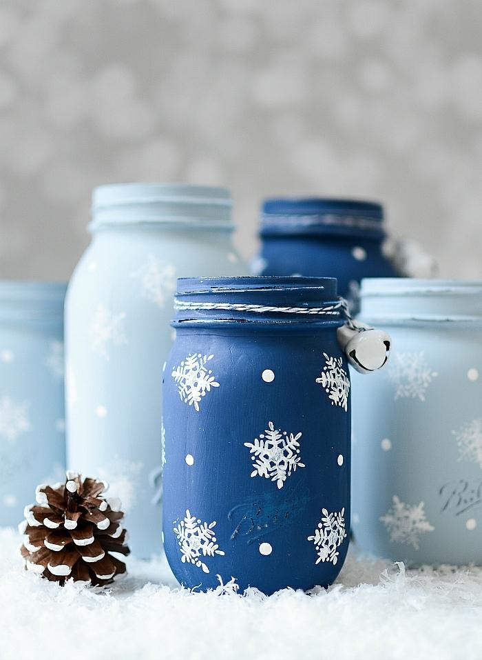 basteln für weihnachten einmachgläser dekoriert mit farbe und schneeflocken weihnachtsdeko für den garten