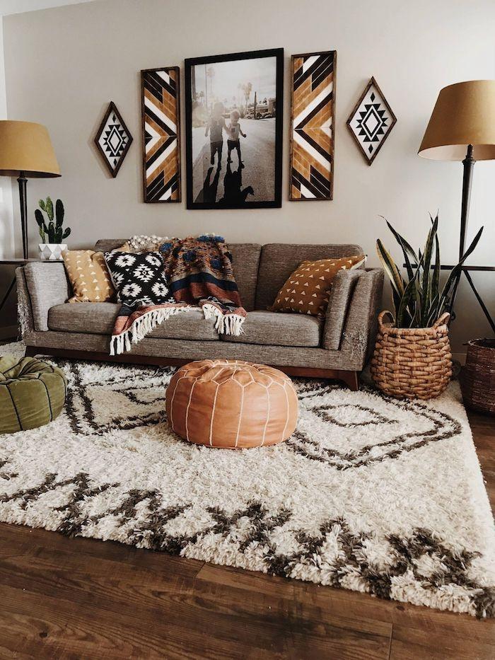 boho wohnzimmer teppich weich cremig grauer sofa lampions braun bilder afrika