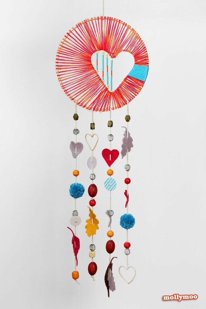 bunte kreative dekoration kinderzimmer traumfänger basteln mit kindern herz diy inspiration